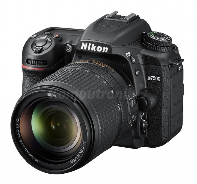 Nikon D7500 + AF-S DX NIKKOR 18-140 VR - zdjęcie główne