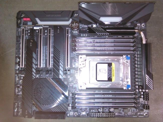 Gigabyte TRX40 AORUS PRO WIFI [oferta Outlet] - zdjęcie główne